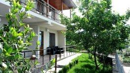 Дом с бассейном у моря в Отрадном