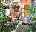 Аренда двухкомнатной квартиры с двориком возле моря в Ялте. 01