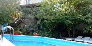 Снять коттедж с бассейном в верхней Ливадии
