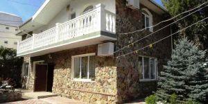 Снять дом с двором в Партените Крым