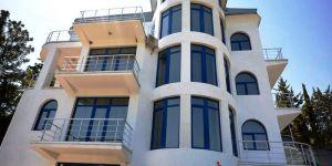 Дом с бассейном в Гурзуфе