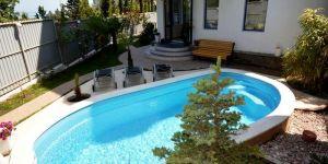 Апартаменты с бассейном у моря в Гурзуфе