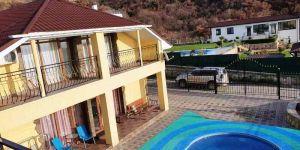 Купить дом с бассейном в Малом Маяке Алушта
