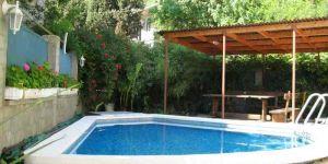 Дом с бассейном Массандра