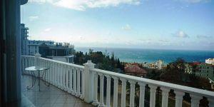 Снять 2 комнатную квартиру с террасой в Ливадии