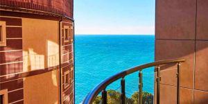 Снять 1 комнатные апартаменты у моря в Ялте
