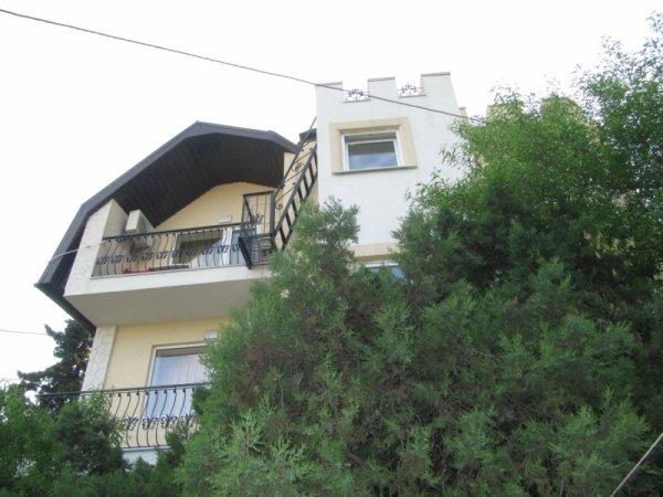 Апартаменты в гостевом доме в п. Гаспра