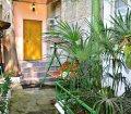 Аренда двухкомнатной квартиры с двориком возле моря в Ялте. 18