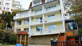 Отель у моря в Ялте